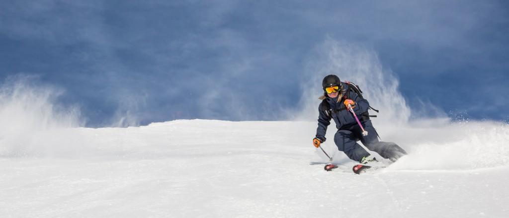Emma-short-turns-Element-Ski-School-Verbier