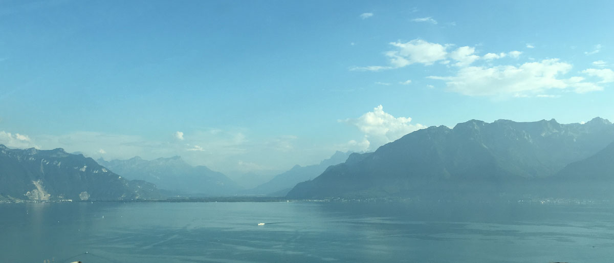 lake-geneva-from-the-autoroute